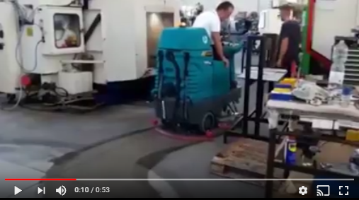 E85 scrubber-dryer demo amateur video