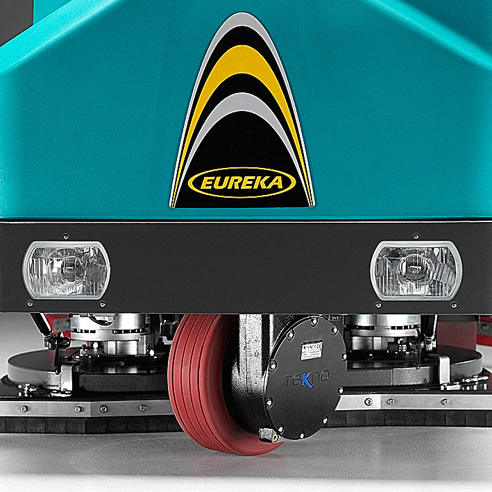 THE DRIVE MOTOR IS PROTECTED AGAINST SHOCKS AND HUMIDITY E110 RIDE-ON SCRUBBER-DRYER