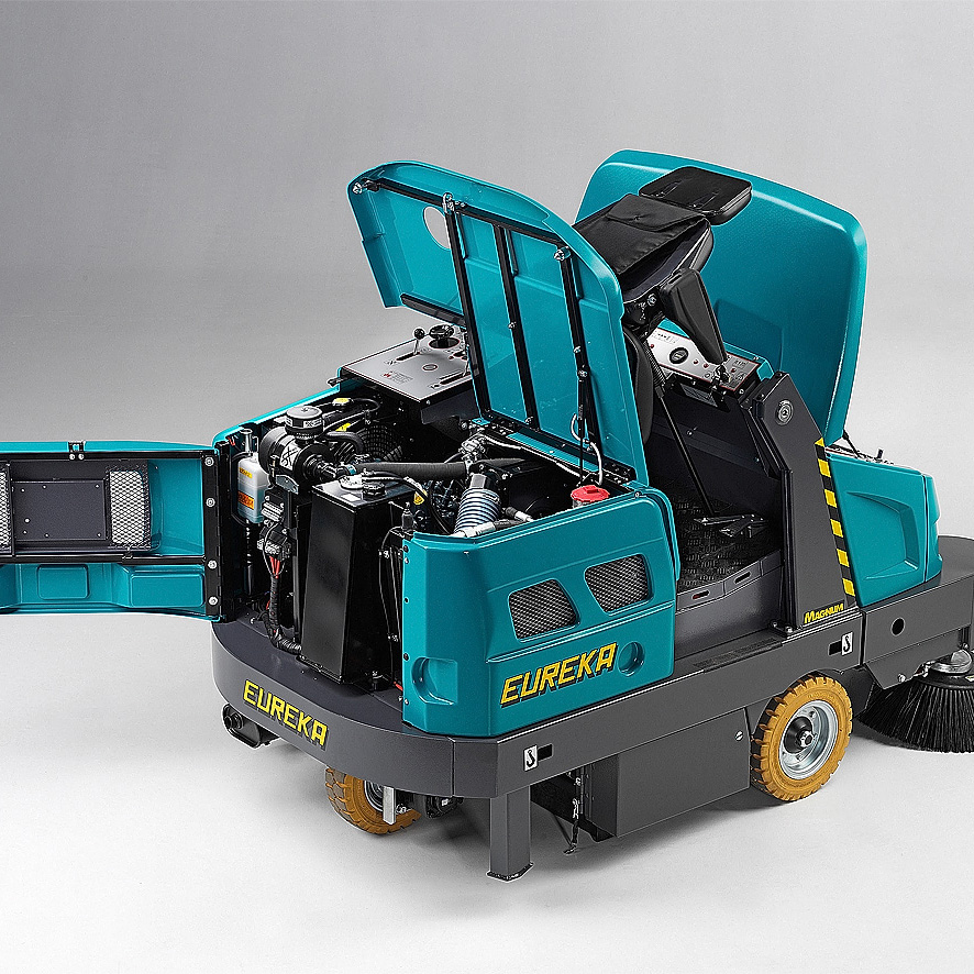 EB VERSION MAGNUM RIDE-ON SWEEPER