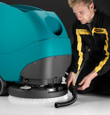 E50 EASE OF USE, E50 WALK-BEHIND SCRUBBER-DRYER